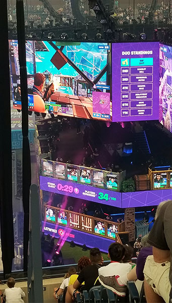 Fortnite World Cup Loge Level next to Stage